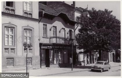 Király Patika - 1962