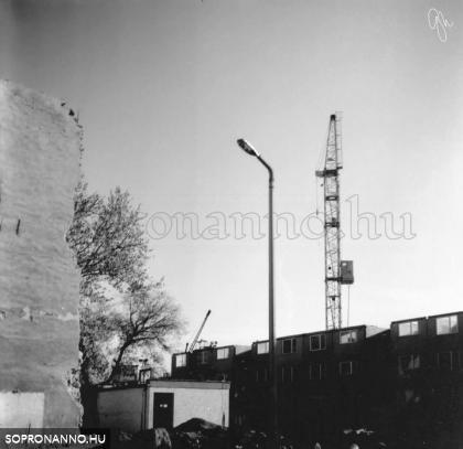 Az építkezés a Móricz Zsigmond utca felől
