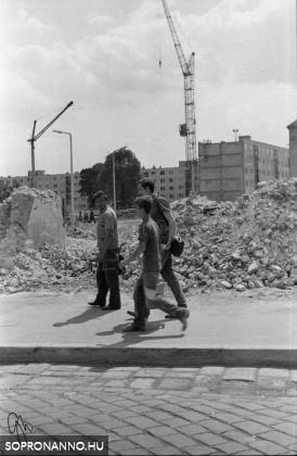 Rálátás a lakótelepre a Móricz Zsigmond utca felől