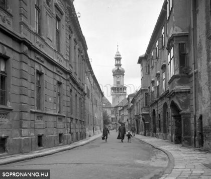 A Kolostor utca 1957-ben