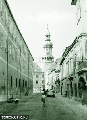 A Kolostor utca az 1960-as években