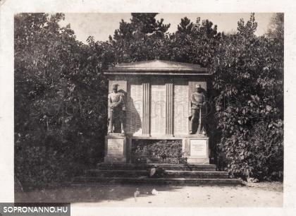 A Limanowa emlékmű