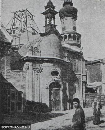 A Szent János - kápolna az Előkapuban