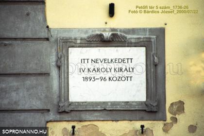 Emléktábla IV. Károly tiszteletére