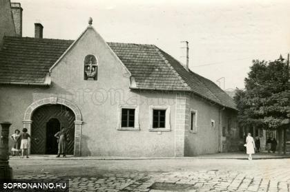 A Poncichter-ház