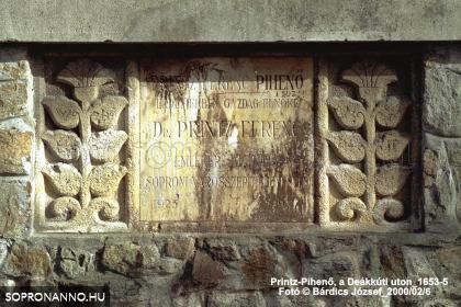 A Printz Ferenc-pihenő emléktáblája