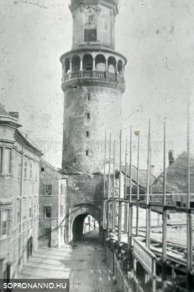 Az új városháza építése