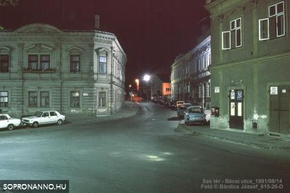 A Sas tér éjjel