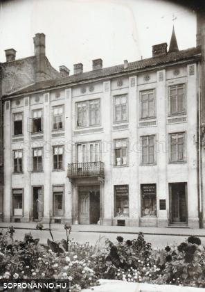 A Széchenyi tér 20. a háború után