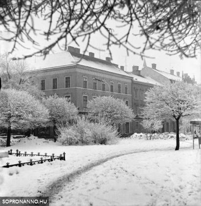 A Széchenyi tér télen