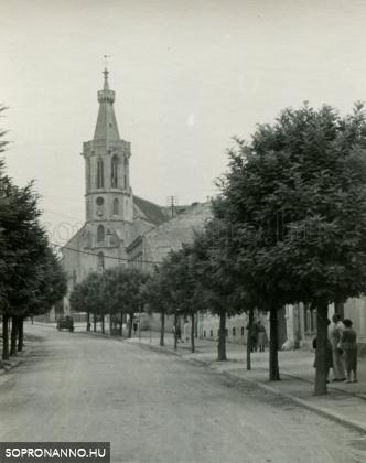 A Szent Mihály utca az 1950-es években