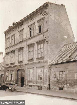 A Színház utca 17.