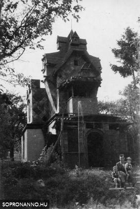 A Taródi-vár egy részlete az 1950-es évekből