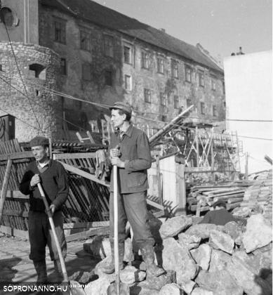 Várfal - 1967 - Munkások