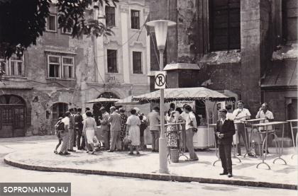Alkalmi vendéglátóhelyek a Fő téren