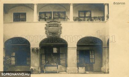 Az Eggenberg-ház udvara