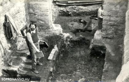 Scarbantia forumának feltárása 1979-ben