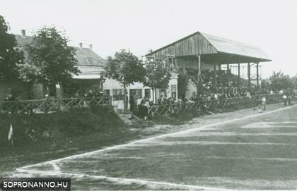 Sportpálya az egykori Felkelő úton