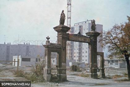 Az egykori Mechle-kapu