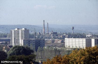 Az épülő Jereván lakótelep a Bécsi-dombról
