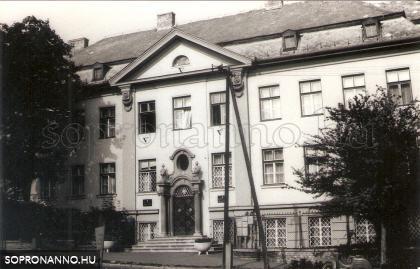 A József Attila nevelőotthon 1987-ben