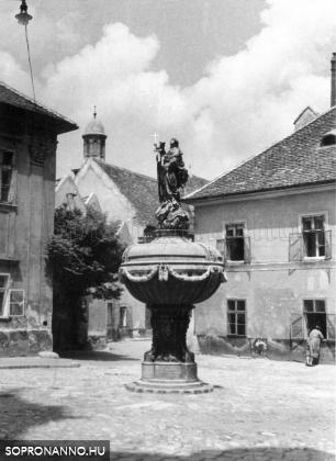 Orsolya tér - 1943
