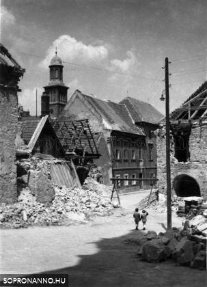 Orsolya tér - 1945