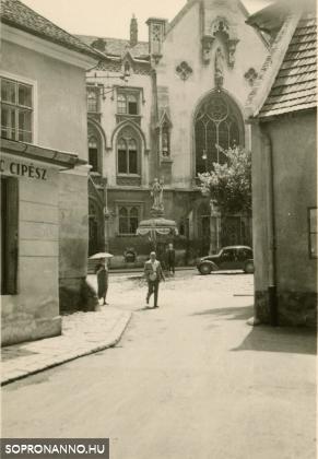 Az Orsolya tér az Új utca felől 1937-ben