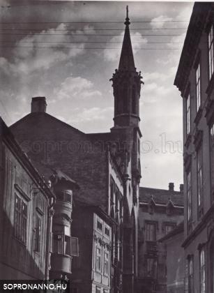 Az Orsolya tér a Szent György utca felől 1937-ben