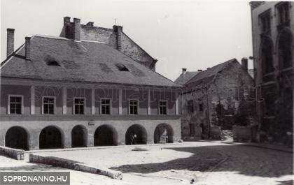 Az Orsolya tér 1962-ben