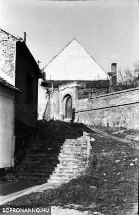 Az Ösvény utca az 1970-es évek elején