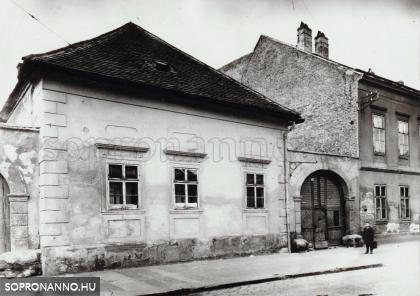 Az Újteleki utca 24-es számú ház egykor