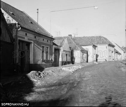 Balfi úti utcarészlet 1970-ből