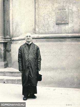 Bausz István atya