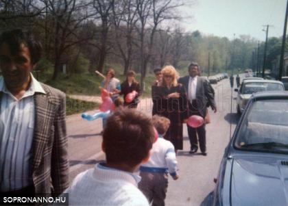 1988. május 1.