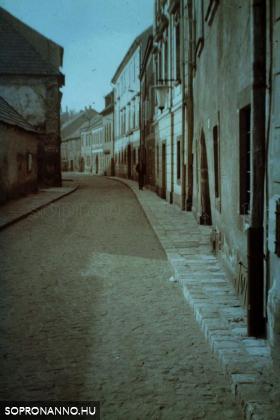 Az Új utca 1974-ben