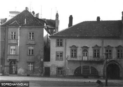 A Patikaház és a Gambrinus-ház  az 1980-as években