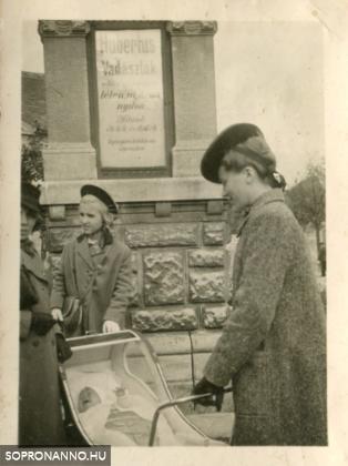Családi fotók a Kossuth Lajos utcában