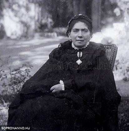 dr. Medgyesi Schwartz Miklósné Bayer Mária (1841-1912)