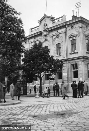 A Deák étterem épülete 1940-ben az átalakítás előtt