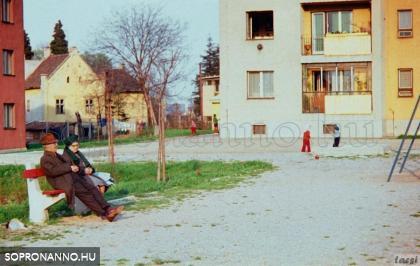 Egy soproni játszótér 1971-ben