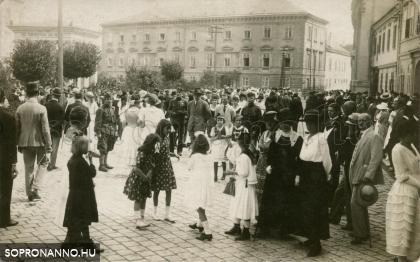 Életkép a Széchenyi térről 1921-ből