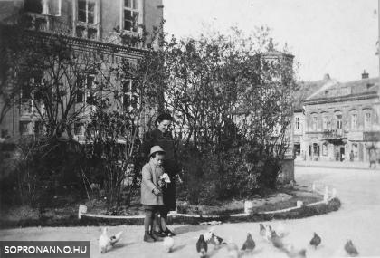 Életkép a Széchenyi térről