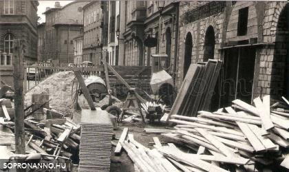 Építkezés a Színház utcában