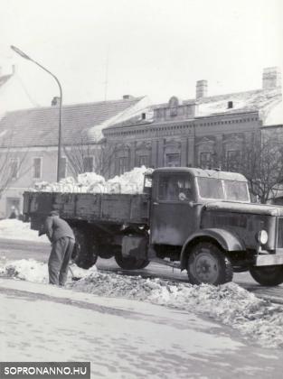 Hóeltakarítás