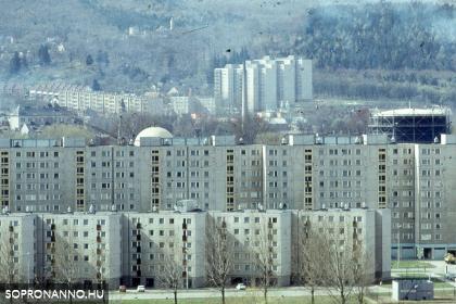 Két lakótelep és egy vár