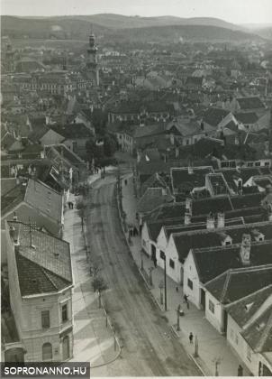 Kilátás a Szent Mihály-templomból 1937-ben