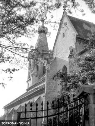 A Szent Mihály-templom egy részlete