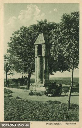 Korabeli képeslap a Pihenőkeresztről