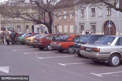 Parkoló a régi piac helyén
